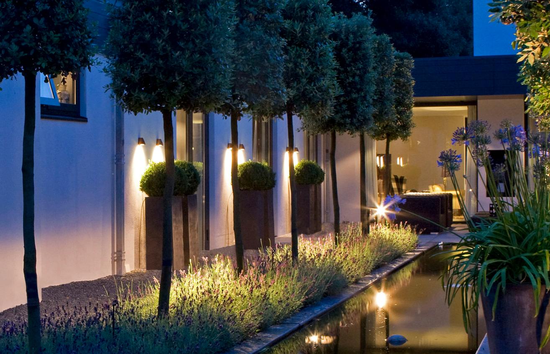 Redécouvrez votre jardin avec l\'éclairage extérieur.